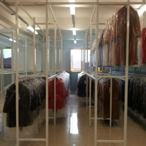 bitmiş ürün Elbise Askılama Rafları